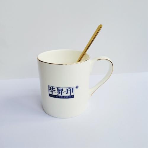 时尚骨瓷马克杯(单笔订单满79元包邮)